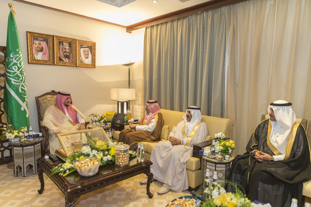 نائب أمير الجوف يطلق ملتقى شهري لرجال الأعمال داخل وخارج المنطقة