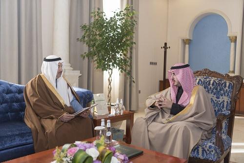 أمير الجوف يستقبل رئيس الغرفة التجارية بالمنطقة ويؤكد دور