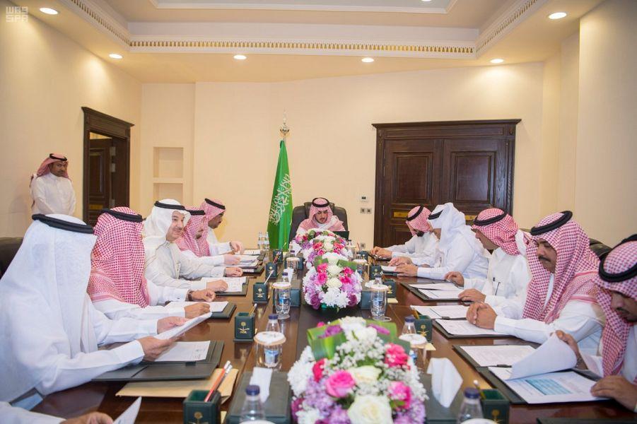 أمير الجوف يرأس اجتماع اللجنة التنفيذية للإسكان التنموي
