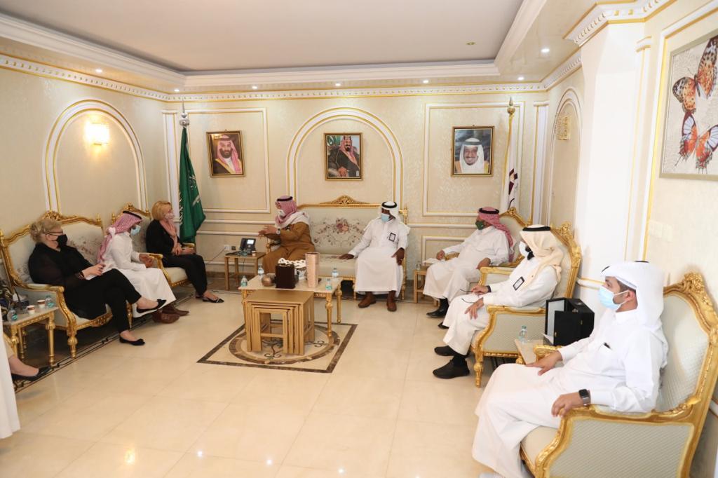 رئيس ومجلس إدارة غرفة الجوف يستقبلون القائم بأعمال سفارة الولايات المتحدة لدى المملكة